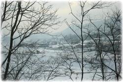 눈 오는 시골 풍경