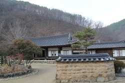 한옥의 아름다움을 즐길 수 있는 '한국관광의 별' 송소고택