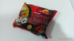 """필리핀에서 인기있는 초저렴 봉지라면 """"Spicy Noodle Pancit"""""""