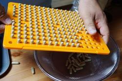 당뇨에 좋은 여주와 닭의장풀로 알약만들기 - 캡슐충진기 사용법