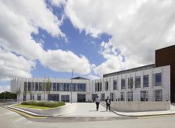 """현대적인 디자인과 편안한 따뜻함을 주는  """"NGS-Macmillan-Unit"""""""