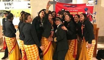 인도 대표 항공 '에어인디아', 여성들로만 이루어진 세계 최초 비행 성공