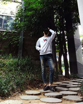 남자 맨투맨 패션 코디 [스위브 SWIB] 남자 회색 맨투맨 코디 : 남자 맨투맨 브랜드 추천