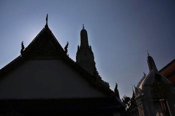 방콕의 새벽을 여는 왓아룬(wat arun)
