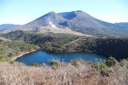 [기리시마]바쿠시이케(白紫池), 시라토리산(白鳥山)
