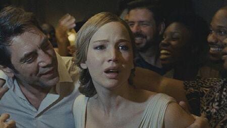 영화 '마더! Mother!, 2017' 제니퍼 로렌스가 연기하는 대지의 여신, 가이아
