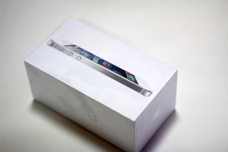 조금 늦은 iPhone5 간단 개봉기 및 한달 사용..