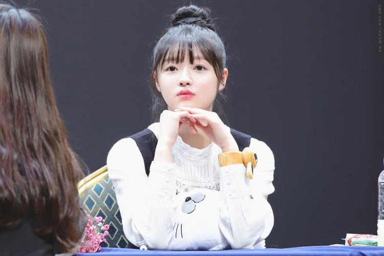 20180317 홍대 미화당레코드 팬싸인회 (유아)
