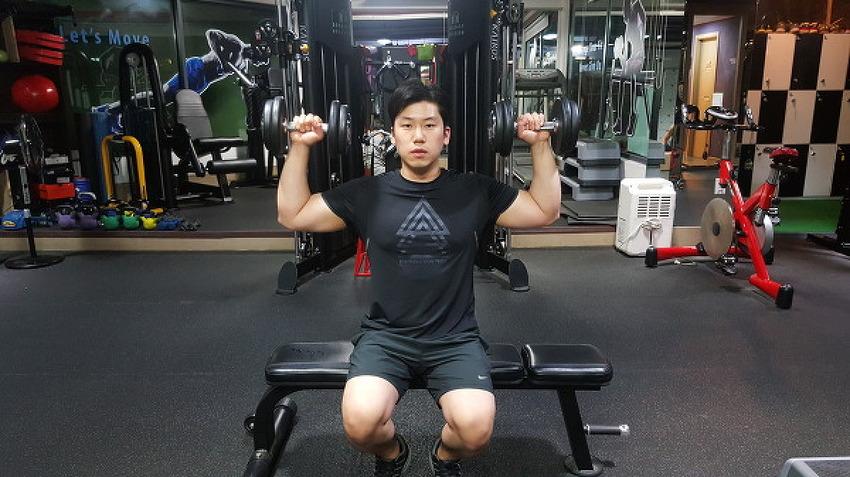 어깨 넓어지는 운동법
