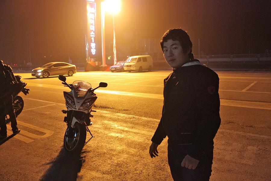 바이크로 달리자 - 야간 유명산 투어 : 120F6D3D4F66909B26EF34