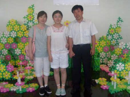 사진 : 지난 여름 광주에 온 부인, 딸과 함께 찍은 가족사진