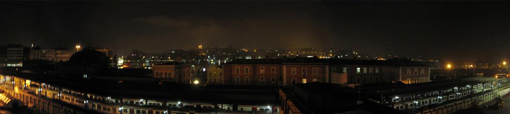 시르케지 역 야경