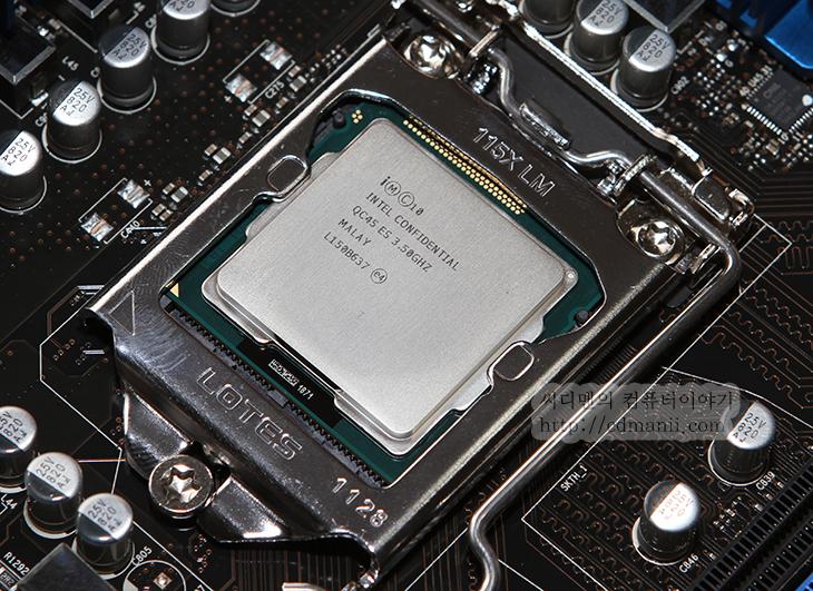 3.5Ghz, 4Core 8-Way Multitask Processing, 5.4Ghz, 7Ghz, A/S, ASUS SABERTOOTH Z77, CPU, cpu-z, DZ77GA-70K, ES, HD 3000, HD 4000, hd3000, HD4000, i7-2600K, i7-3770K, i7-3770K ES, i7-3770K i7-2600K 비교, Ivy Bridge, QC45 ES, sandy bridge, 공냉, 메인보드, 벤치마크, 비교, 샌디브릿지, 센디브릿지, 소음, 아수스, 아이비브릿지, 오버, 오버클러킹, 인텔, 전력측정, 전압, 효율,  아이비브릿지 i7-3770K ES Super Pi 벤치마크를 해보겠습니다. 이후에 샌디브릿지 i7-2600K 와 비교테스트를 하고 전력사용량 측정 및 온도 테스트 등을 해보겠습니다. 지금 많은 추측들이 나와있던 상태이긴 하지만, 아이비브릿지 i7-3770K ES를 미리 써보고 있던 중이라 말하고 싶었던게 많았는데요. 이번편 이외에 비교편 및 게임테스트 등을 통해서 재미있는글을 적어보겠습니다.