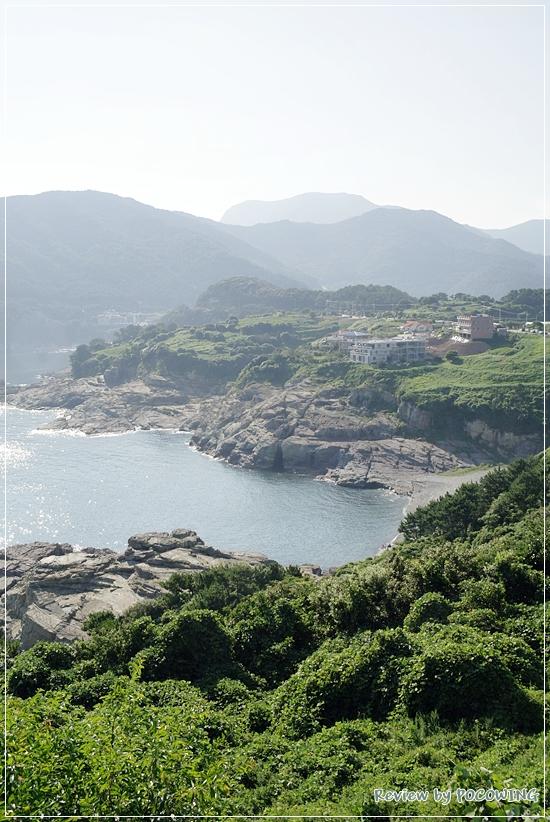 거제도 바위언덕에서 탁 트인 바다를 볼 수 있는 곳, 신선대