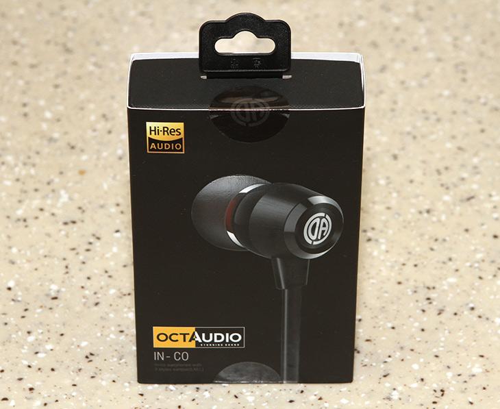 가성비 좋은 이어폰, 귀가 너무 편안한, 옥터디오 인코 ,사용기,IT,IT 제품리뷰,좋은 사운드를 들으면 귀가 즐거운데요. 품질도 좋고 디자인도 좋은 것 소개 합니다. 가성비 좋은 이어폰 귀가 너무 편안한 옥터디오 인코 사용을 해 봤는데요. 크기가 비교적 작지만 안정적이고 깨끗한 사운드를 들려줍니다. 가성비 좋은 이어폰으로 옥터디오 인코는 좋은 이어폰이라고 말하기 부족함이 없었는데요. 구성품도 상당히 풍성한 편입니다. 보통 크기가 다른 이어폰팁만 넣어주는게 보통인데요. 이 제품은 메모리 폼 팁과 더블팁등 좀 더 자신에 귀에 딱 맞게 착용할 수 있도록 여러가지를 제공을 합니다.