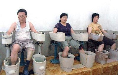북한에서 온천을 즐기는 주민들