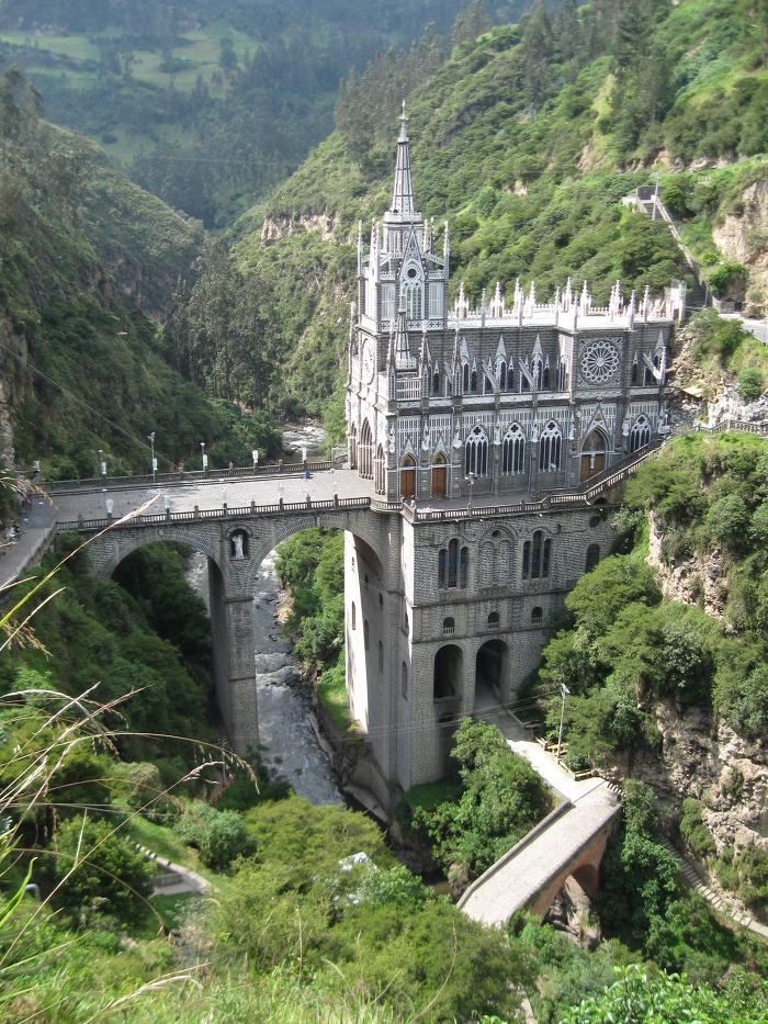 라스 라하스 성당 Las Lajas Sanctuary 외부