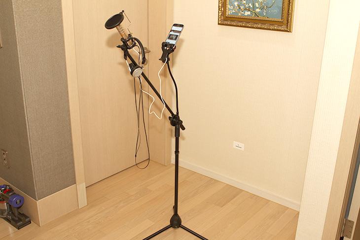 노래방 마이크, IdolK8 Plus, 집에서 ,노래방을 ,부른 ,노래로, 자랑을,IT,IT 제품리뷰,음치도 노래를 잘 부를 수 있게 해줍니다. 마법의 제품인데요. 노래방 마이크 IdolK8 Plus 이용해서 집에서 노래방 만들고 부른 노래로 자랑을 하는 방법을 소개 합니다. 물론 그냥 일반 마이크로 노래를 부를 수 도 있겠죠. 하지만 이 마이크는 특별한 기능을 넣었습니다. 노래방 마이크 IdolK8 Plus는 에코 기능이 있고 스마트폰의 MR 곡과 자신의 목소리를 합쳐서 들려줍니다. 이렇게 부른 노래를 여러가지 앱으로 자랑도 가능 한데요.