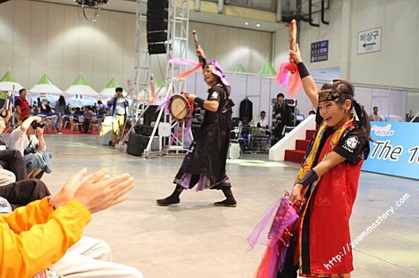 오키나와전통춤, 일본