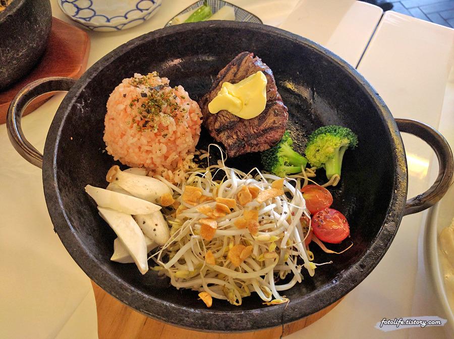 [삼청동 맛집] 돌솥 스테이크에 칼국수 까르보나라, 부띠끄 경성