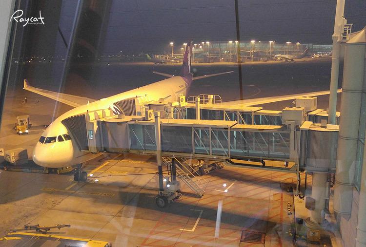 인천공항에서 대기중 하와이언 항공 비행기