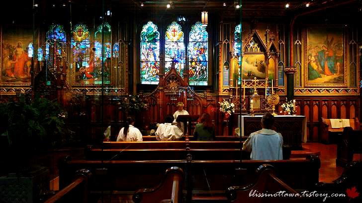 성찬 및 기도실입니다