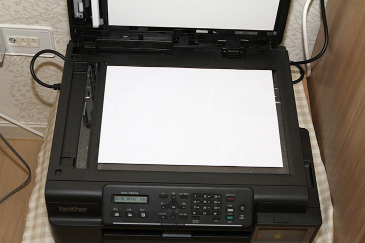 브라더 ,무한잉크, 복합기 ,MFC-T800W ,무선으로, 쉽게 ,리필,IT,IT 제품리뷰,실제로 사용할 때에는 수명이 중요하더군요. 가정에서 사용할 때는 그렇습니다. 브라더 무한잉크 복합기 MFC-T800W 무선으로 사용하고 쉽게 리필 할 수 있는 제품인데요. 가끔 컬러 출력도 하고 흑백 문서 출력이나 스캔도 하는데요. 없으면 엄청 불편한 제품이죠. 브라더 무한잉크 복합기 MFC-T800W는 가정이나 사무용으로 사용하기에 무척 유용한 제품 입니다. 잉크를 리필을 아예 할 수 있도록 그런 컨셉으로 만든 제품이거든요.
