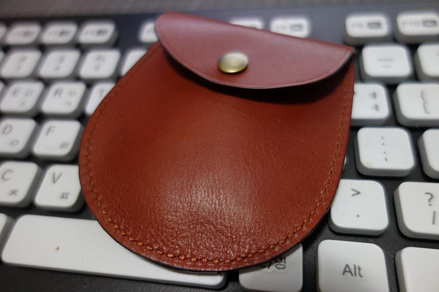 동전지갑 - 둥근 모양 3번째