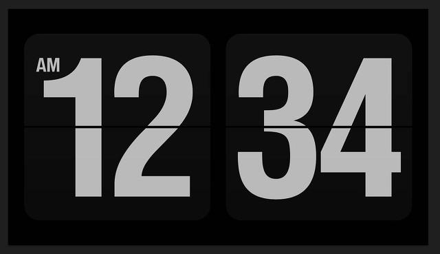 화면보호기 시계 시간 표시 설정하는 방법