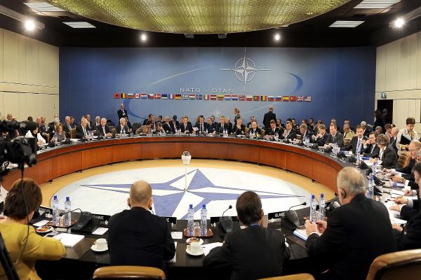 북대서양 조약기구 회담 NATO ministers