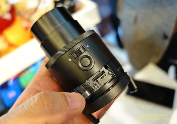 렌즈스타일 신개념 카메라 소니 QX100, QX10를 직접보니 - 'Startup's Story Platform'
