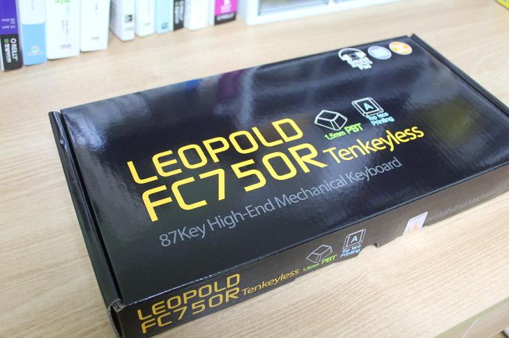 레오폴드 LEOPOLD FC750R 텐키레스 블랙 한글 넌클릭 갈축 기계식키보드 사용후기 리뷰
