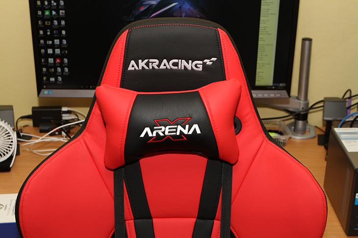 AKRACING Gaming Chair ,TYPE-2, 게이밍 컴퓨터 의자,제닉스,IT,IT 제품리뷰,인테리어,게임,의자를 선택 할 때에는 오래써도 허리에 편안한 것을 써야 합니다. 그냥 이뻐보인다고 사면 후회하죠. AKRACING Gaming Chair TYPE-2 게이밍 컴퓨터 의자를 소개 합니다. 스포츠카에서 떼어놓은 것 처럼 생긴 디자인이 인상적인 제품 인데요. 타입별로 디자인이 다르고 기능도 약간 다른 제품이었는데요. 제닉스 의자 중에서 가장 고가의 제품중 하나입니다. AKRACING Gaming Chair TYPE-2 게이밍 컴퓨터 의자를 써본 느낌은 뒤로 완전히 눕힐 수 있어서 컴퓨터 하다가 잠들기 딱 좋은 의자였습니다. 물론 허리도 편안하기도 했구요. 넓은 등받이에 장점이 많았는데요.