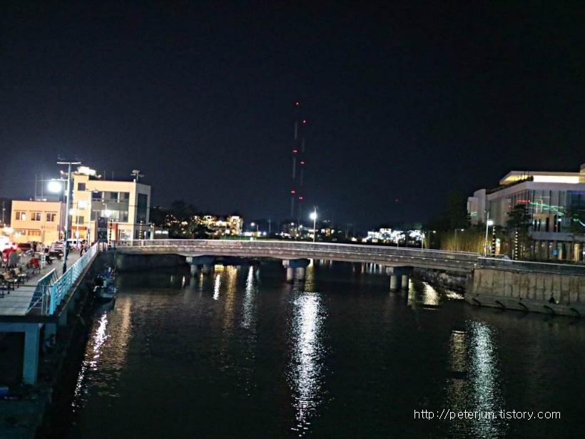 평화로운 동해 밤풍경