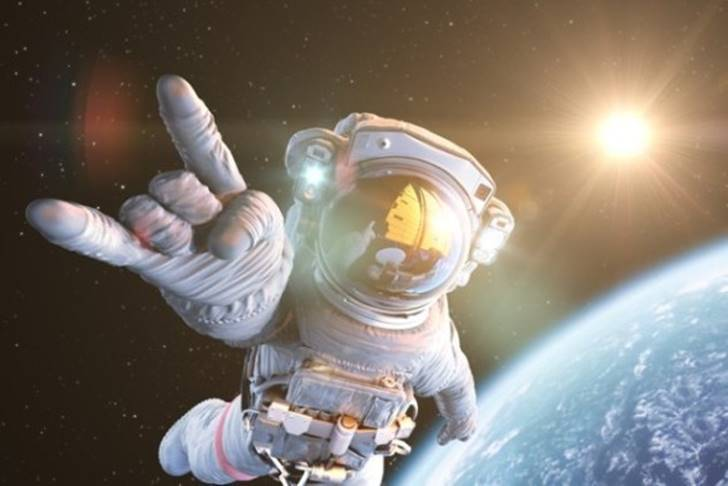 우주 여행할 때 인간의 몸에서 벌어지는 일 5가지