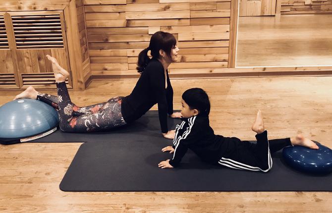 아기 엄마 운동 성장판운동 매트운동