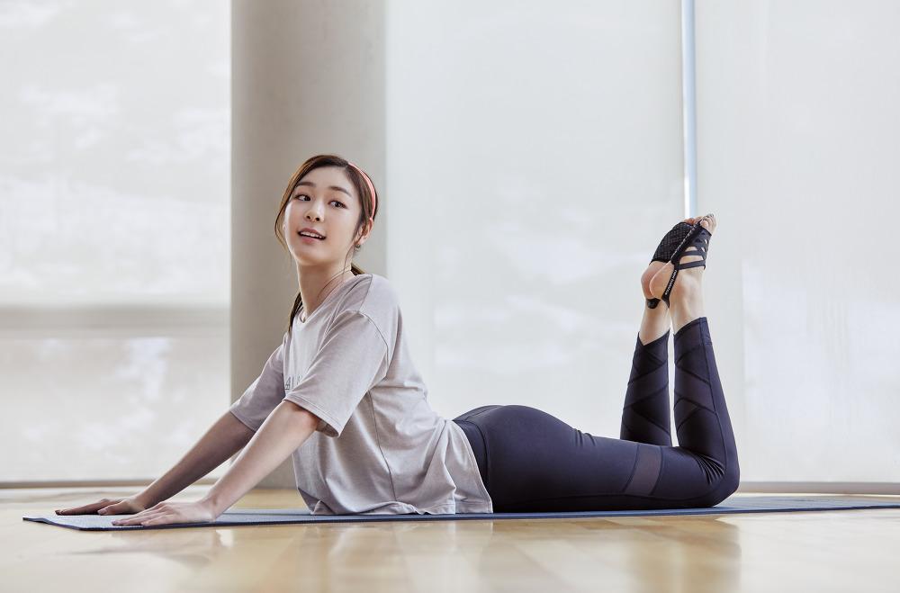 newBalance 2018ss Yuna Kim_09_WOMEN 릴리스 LAYER 티셔츠