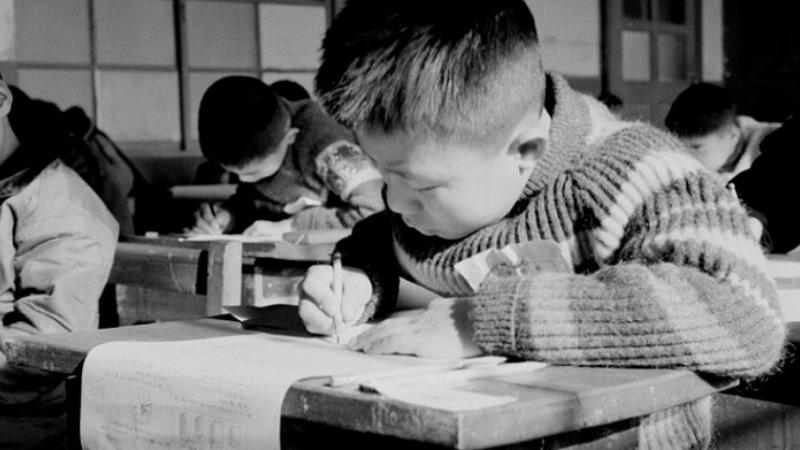 사진: 과거에는 초등학교생들도 중학교 입학을 위해 극성입시에 시달려야 했다.