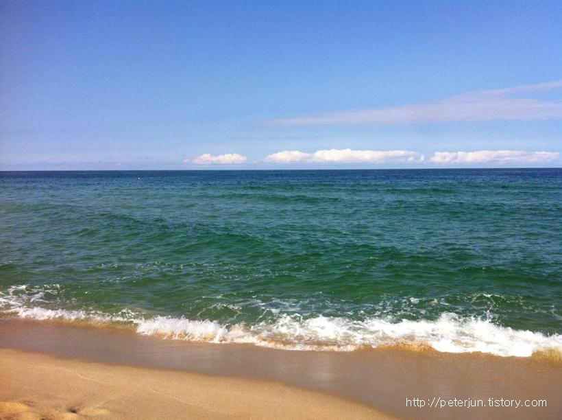 사천해변 에메랄드빛 바다