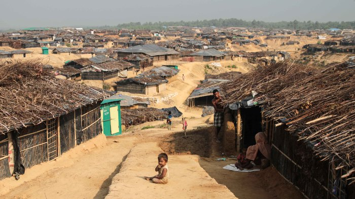 1달 간 9,000명 사망한 미얀마 로힝야족 역사 학살