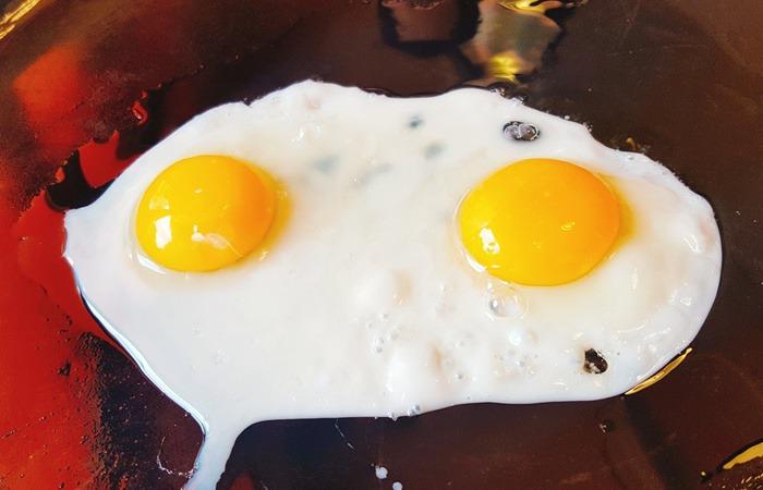 사진: 계란은 빵, 과자, 아이스크림 등 각종 요리에 들어가는 필수 식품이다. 가정시간에 배우는 간편하고 영양가 높은 식품에 달걀이 반드시 들어가 있다. [살충제 달걀 먹으면?]